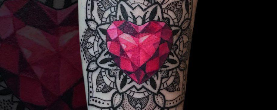 Tatuaże Geometryczne Skąd Wywodzi Się Trend Art Line