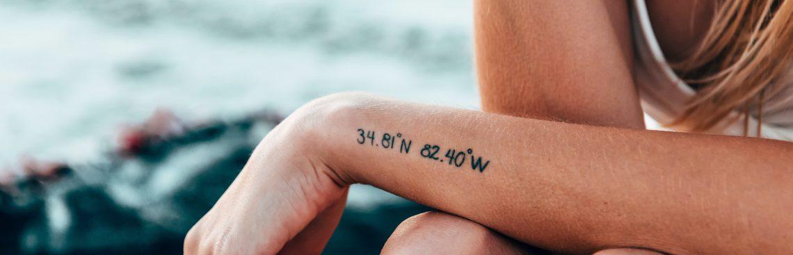 Tatuaż pamiątka – dlaczego ludzie robią tatuaże?