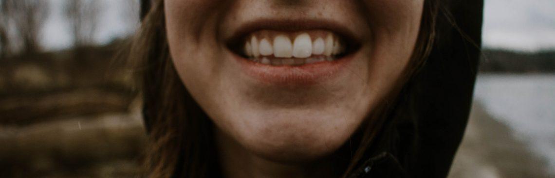 Kolczyk w zębie – podpowiadamy